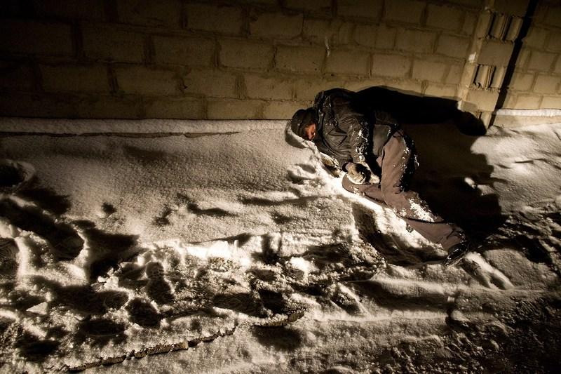 Гражданин Кузбасса избил ночевавшего всобачьей будке дядю