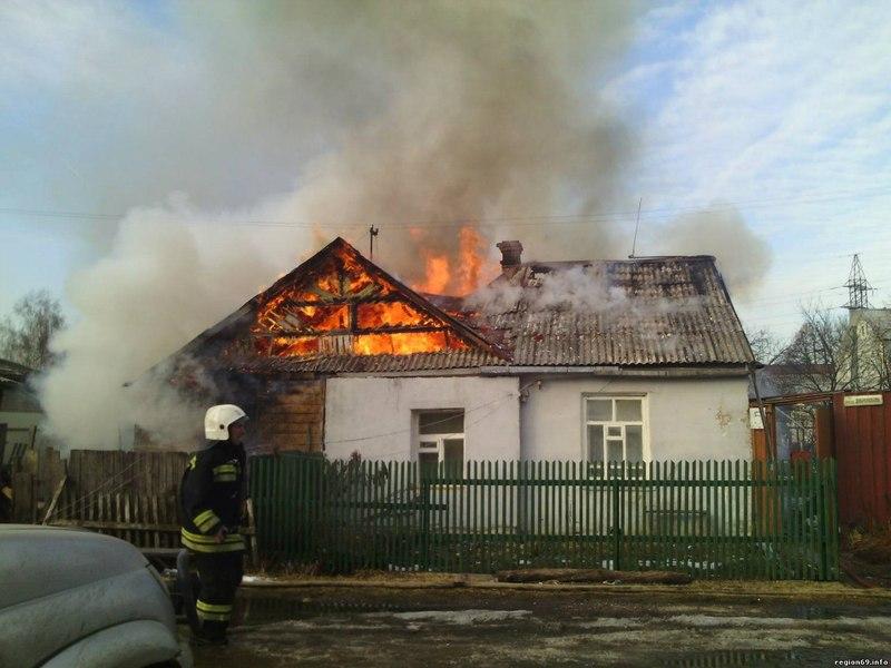 ВКузбассе впожаре в личном доме умер мужчина
