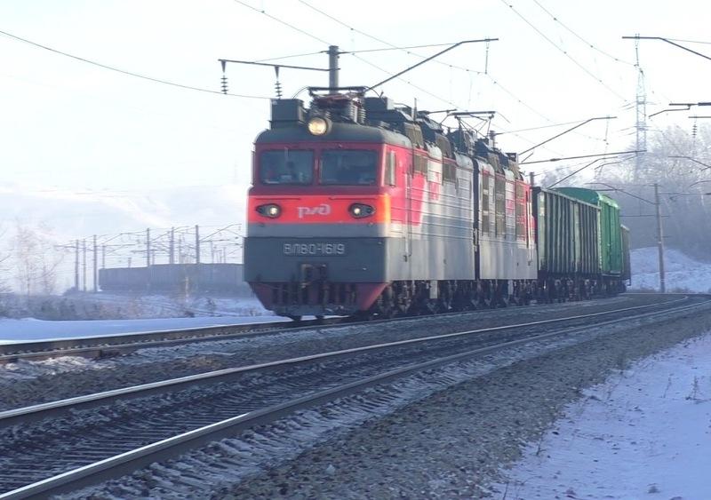 Автомобиль ипоезд столкнулись вКемеровской области