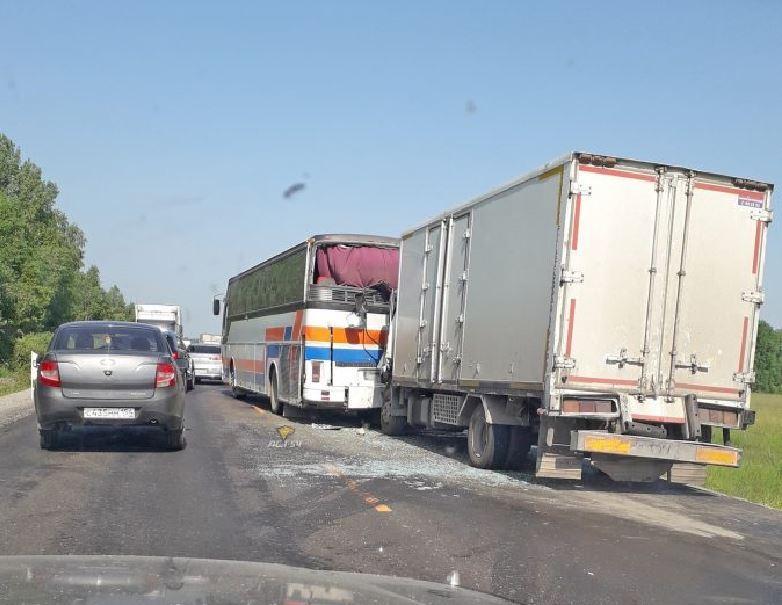 Серьезное ДТП произошло 10 июля на 122 километре федеральной автодороги Р-255 не доезжая до Болотного