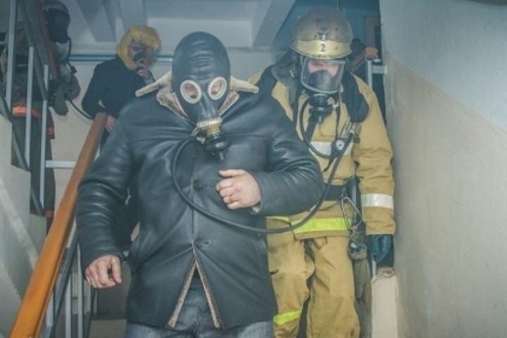 Напожаре вКиселевске спасли четырех человек