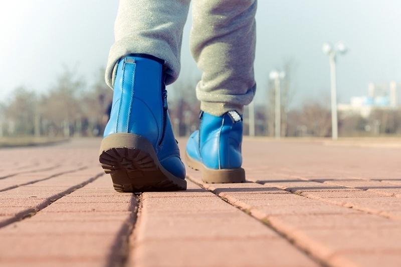 ВКузбассе пятилетний парень гулял погороду без верхней одежды