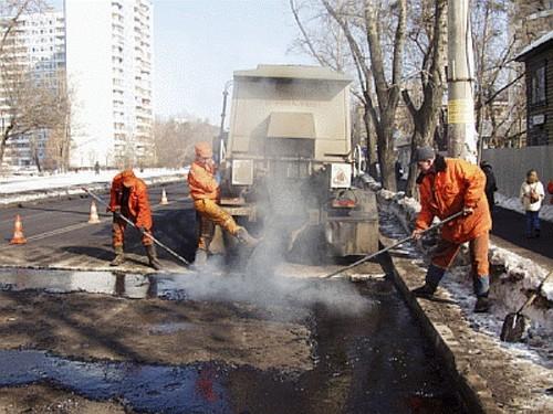 ВНовокузнецке начали чинить дороги