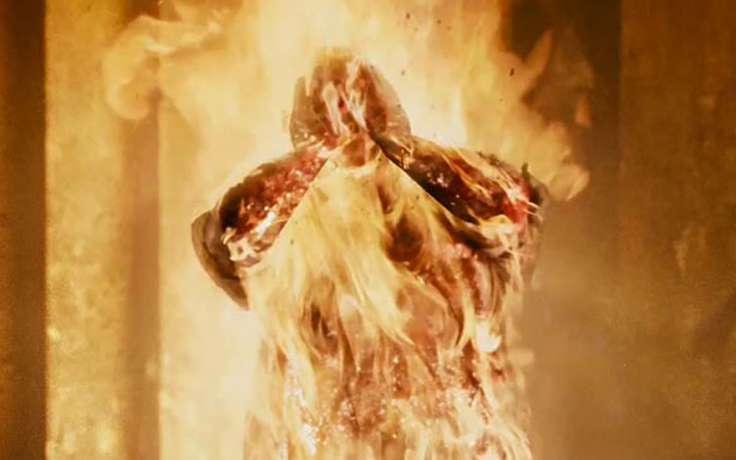 ВКузбассе мужчина облил бензином тещу исжег ее