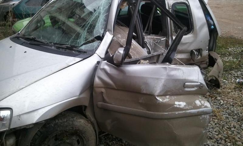 Накузбасской трассе всмертельное ДТП попали Хонда и«КамАЗ»