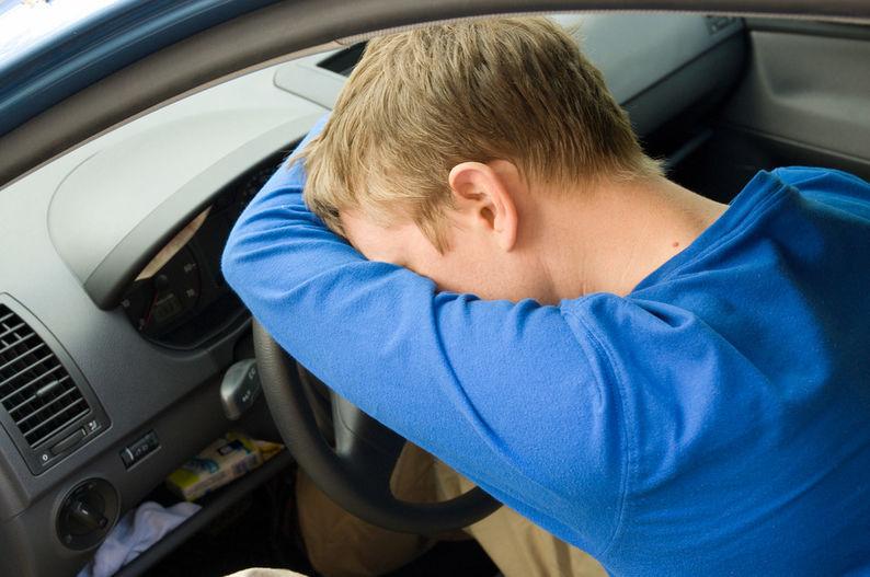 ВМеждуреченске 16-летний ребенок намашине врезался вавтомобиль ДПС