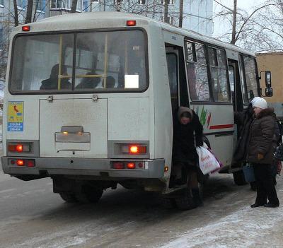 ВКузбассе женщина угодила под колеса автобуса