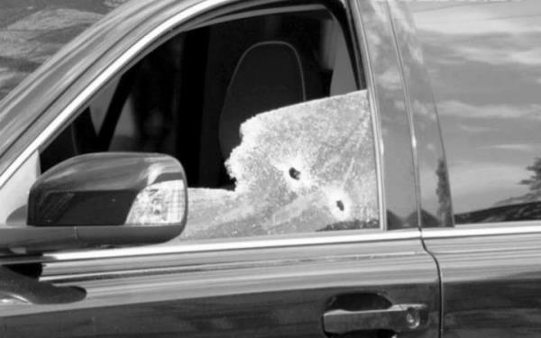ВНовокузнецке обстреляли автомобиль сосъемочной группой