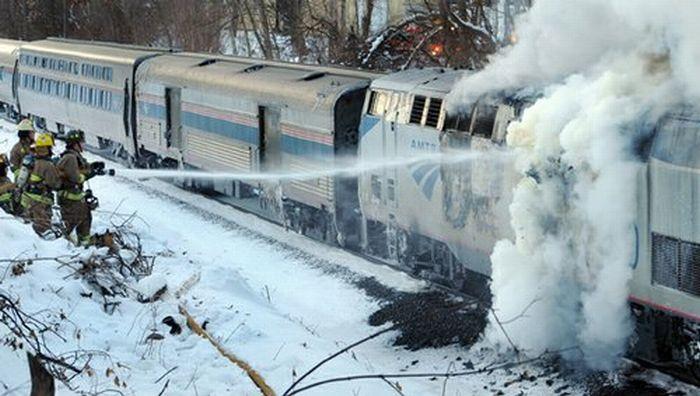 Грузовой локомотив зажегся наперегоне вКузбассе, пострадавших нет