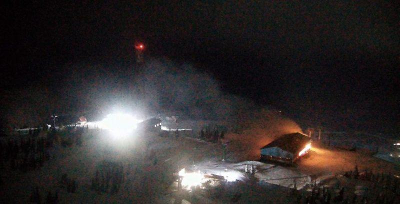 Наканатной дороге вШерегеше случился пожар: пожарных подымали наподъемниках