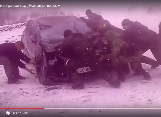 Спортменки изКрасноярска ехали вШерегеш иперевернулись под Новокузнецком