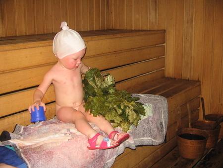 Тяжелые ожоги получила 2-летняя, оставшись с нетрезвой родственницей вКемеровской области