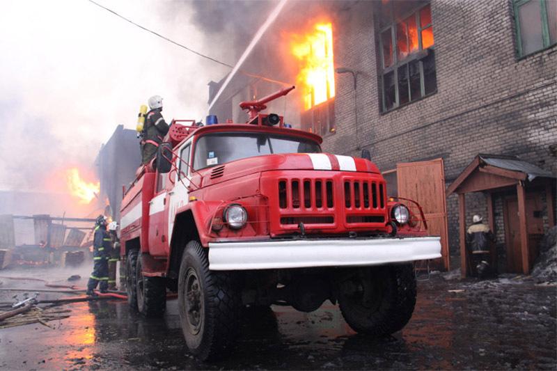 Напожаре вмногоквартирном доме вЛенинске-Кузнецком чуть непогибли дети