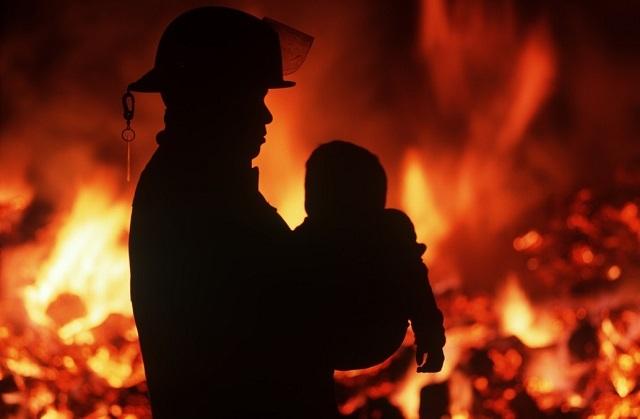 Жительница Кузбасса несмогла спасти ребенка изпожара