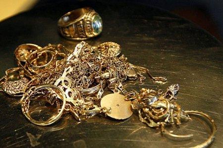 ВНовокузнецке горничная украла драгоценностей на5 млн руб.