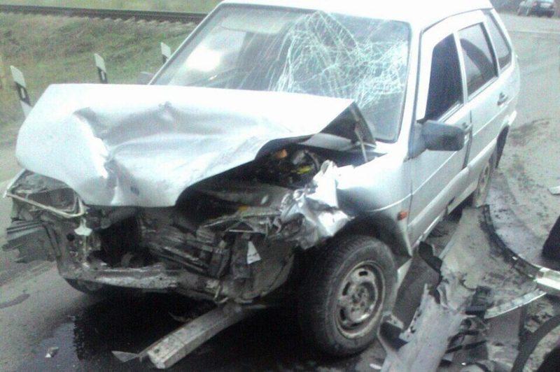 Жуткое ДТП вКузбассе: нажелезнодорожном переезде пострадал ребёнок