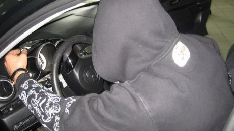 ВКемерове сторож СТО угнал машину ипытался уйти отинспекторов ДПС